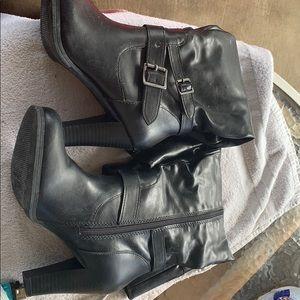 1/4 leg zip up boots